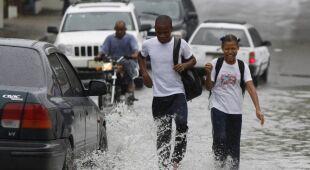 Sandy pustoszy Karaiby. 21 osób nie żyje (PAP/EPA)